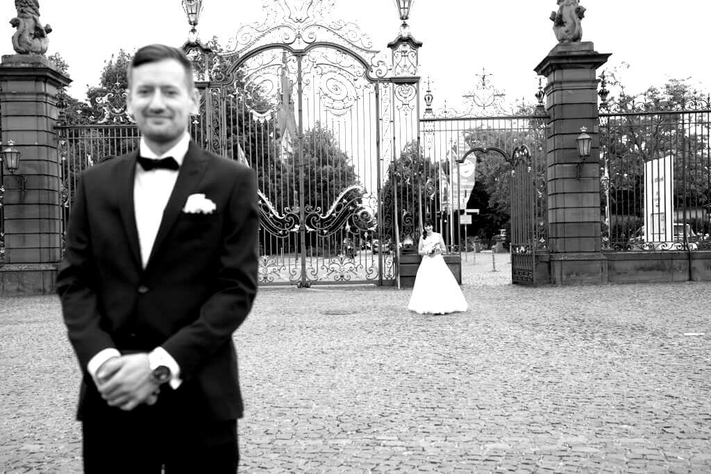 Der First Look ein wichtiger Moment auch in der Hochzeitsfotografie.